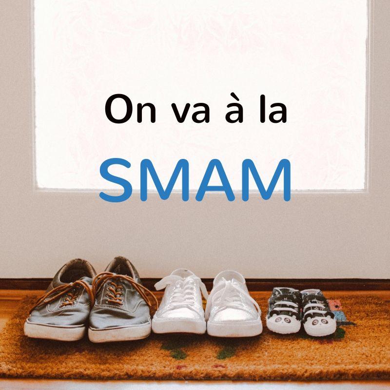 Photo d'illustration de la l'article sur la SMAM d'A Lait'coute : chaussures devant une porte avec le texte On va à la SMAM
