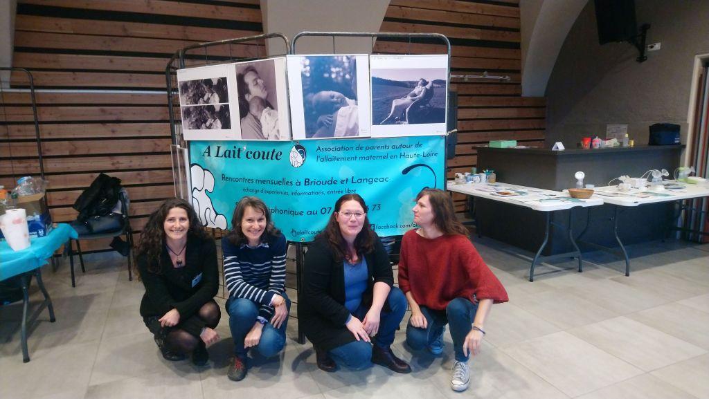 Les membres actives d'A Lait'coute : Claudine, Muriel, Carole et Carine au Forum Le Samedi des Familles du Puy